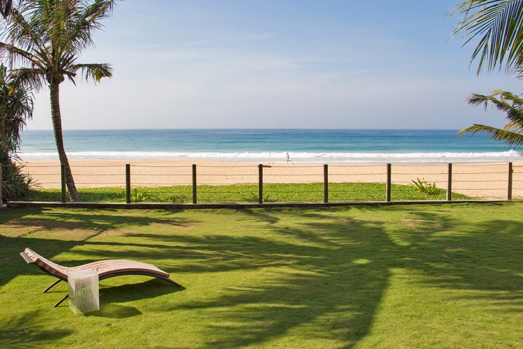 Saldana Beach Villa provides the perfect beach lawn