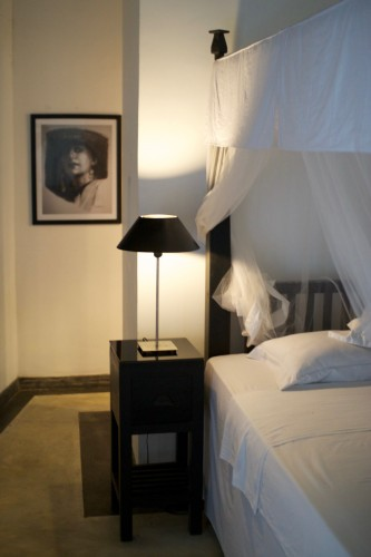 Bedside table and lamp at The Well House Unawatuna