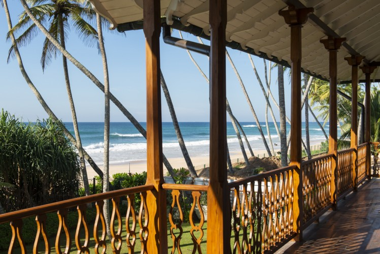 Skye Beach Villa Book online securely and surf or swim safely out the front beach in Habraduwa