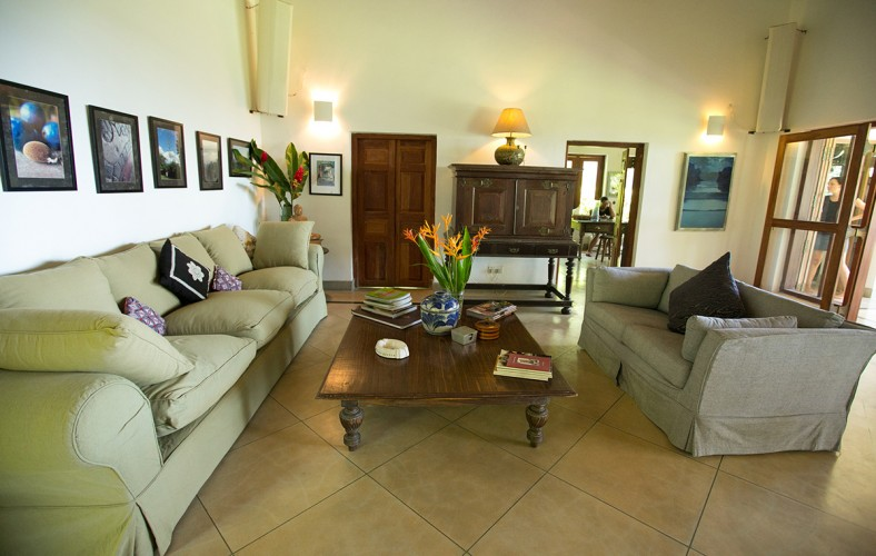 Wetakeiya Beach Villa lounge room with traditional furniture and very comfortable lounges