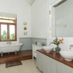 Skye Beach Villa modern ensuite bathroom