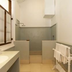 Skye Beach Villa Habaraduwa bathroom