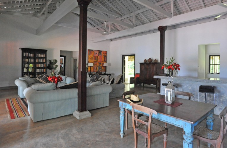 Crocodile Rock Villa dining room is casual and fun