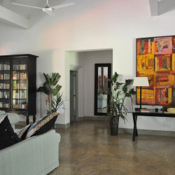 Modern art an traditional furniture combine at Crocodile Rock Villa