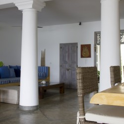 Nilaya Beach Villa Thalpe kitchen and lounge rooms