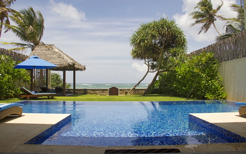 Nilaya Beach Villa's pool overlooks Thalpe Beach