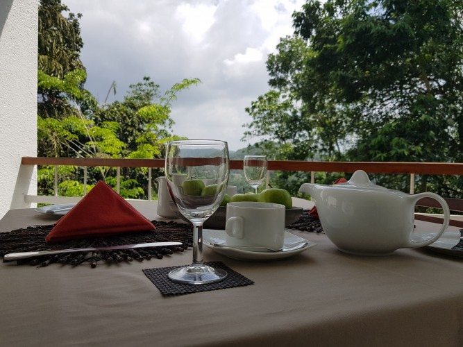Regent Lodge Villa Kandy breakfast on the balcony