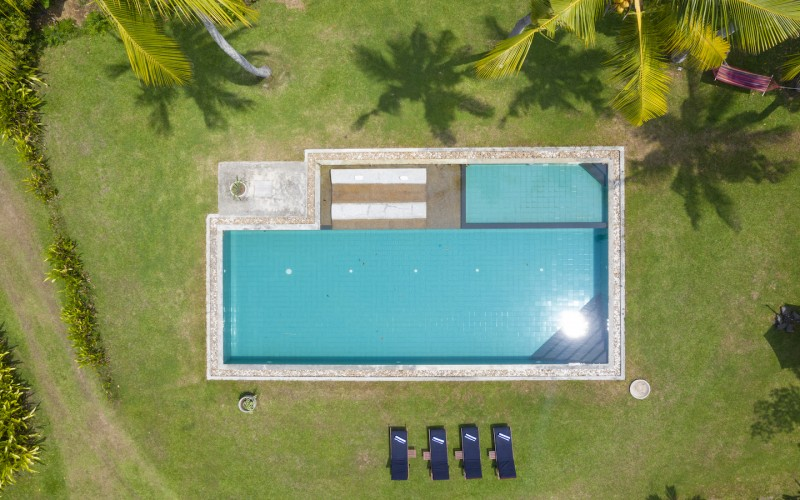 Villa Ronnaduwa large pool and water relaxation zone call you to your next tropical holiday